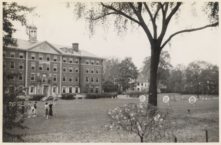 Archery in the Radcliffe Quad