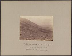 Vista del pueblo de Tauli al fondo. Miascerca minon de la ofiicina de Nerucaucha