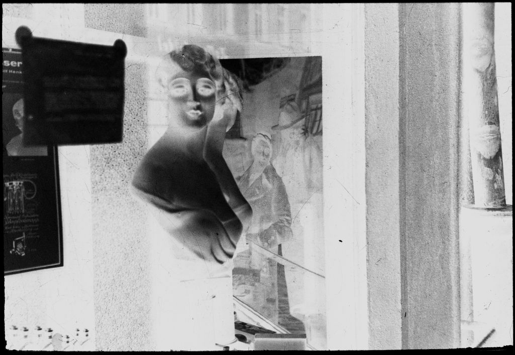 [Mannequin In Shop Window And Reflection Of Lyonel And Julia Feininger, Dessau]