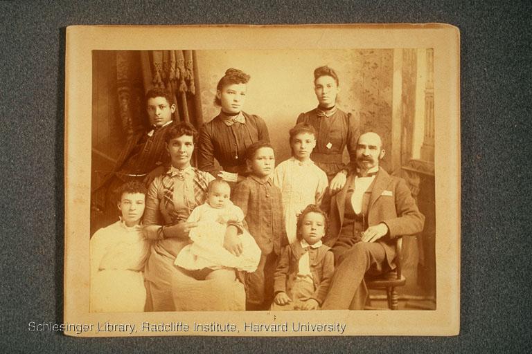 Portrait of Richard Burton Fitzgerald, his wife Sallie, and eight of their ten children.
