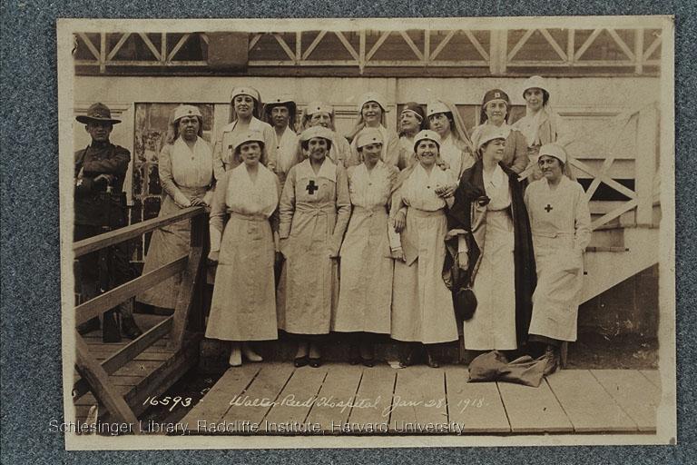 Group portrait of Red Cross nurses during World War I