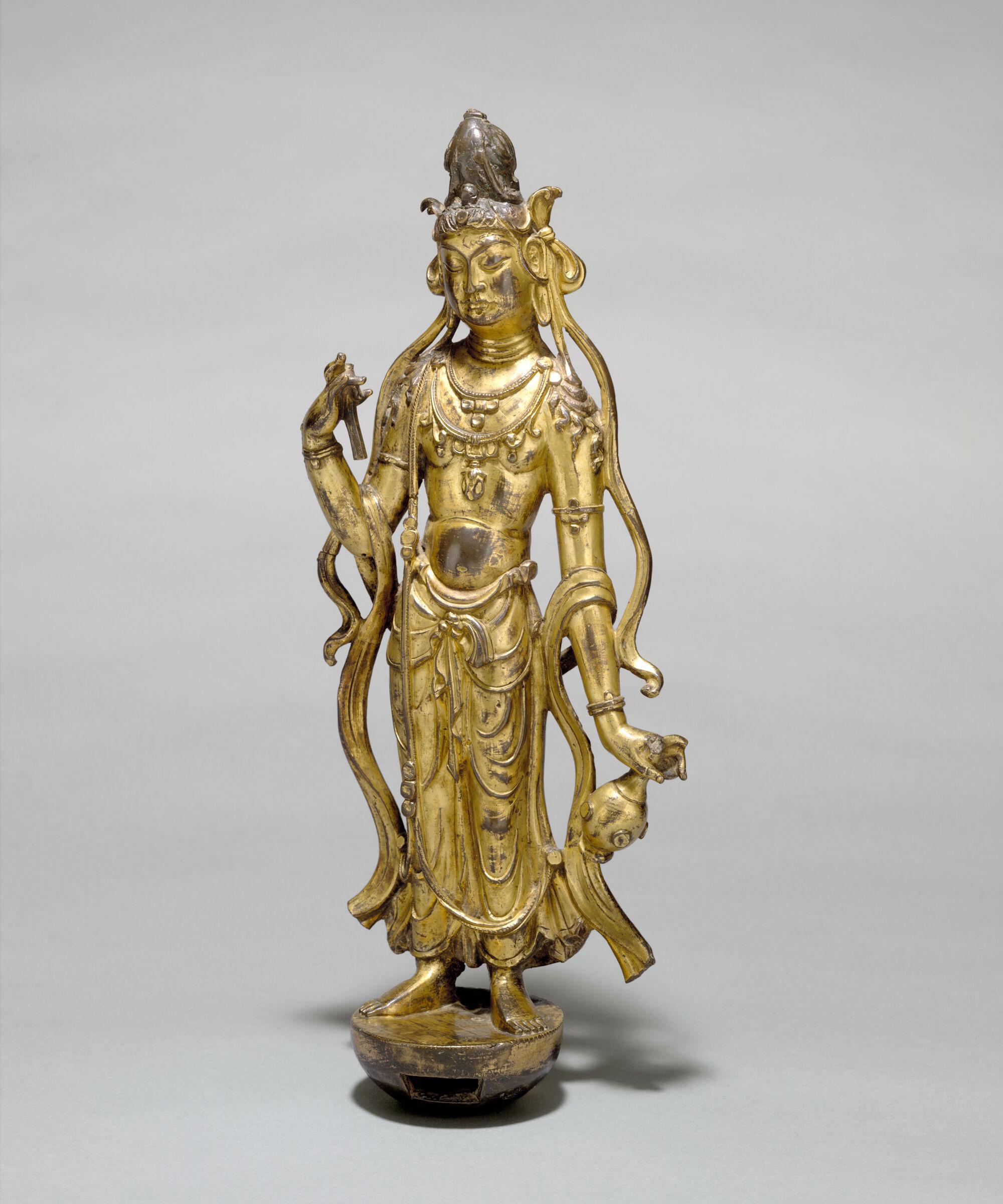 Standing Bodhisattva Avalokiteshvara (Guanyin Pusa)