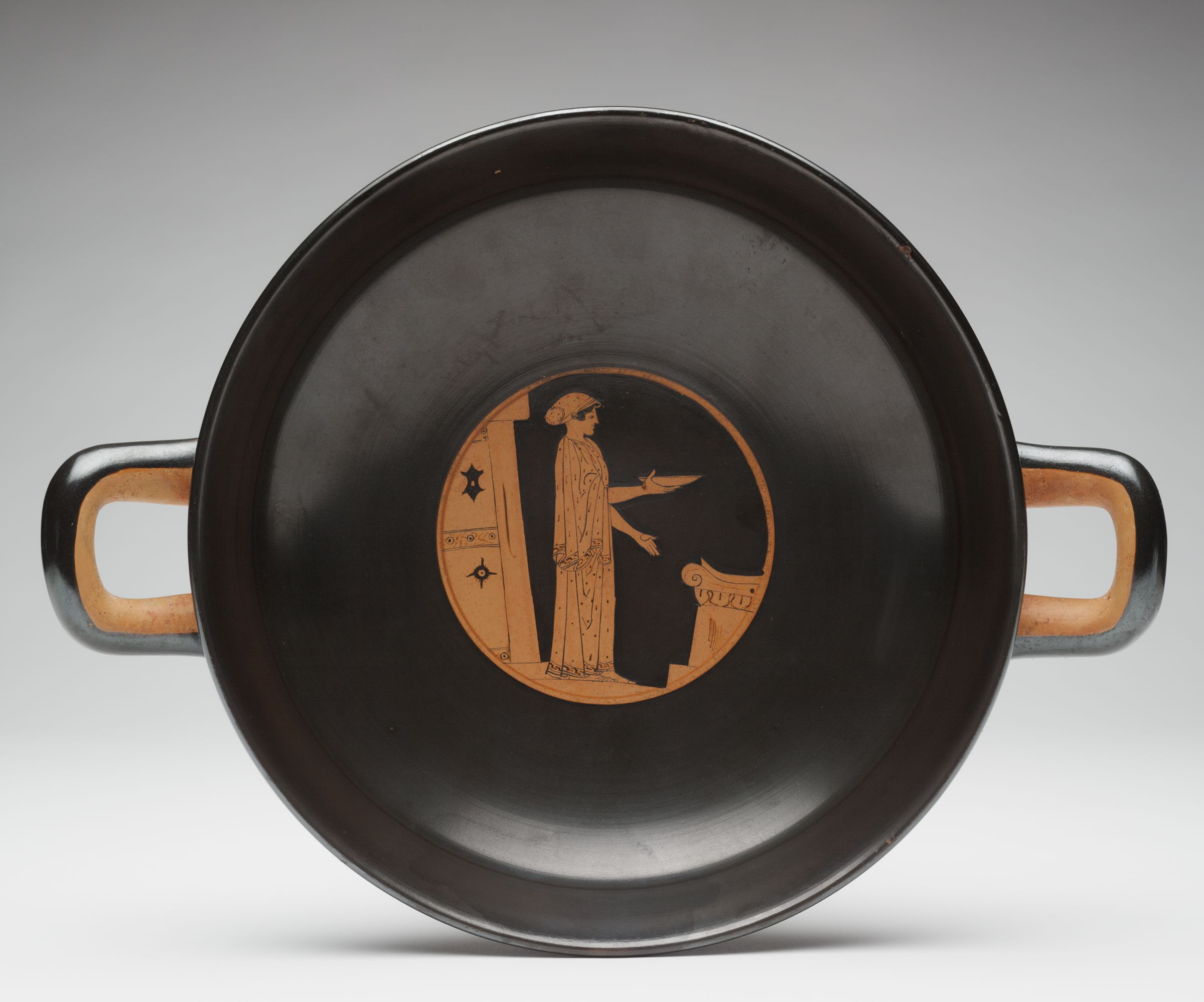 Kylix (Drinking Cup): Woman Pouring A Libation At An Altar
