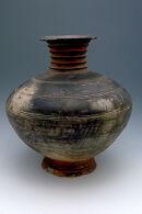 Wide-bodied jar