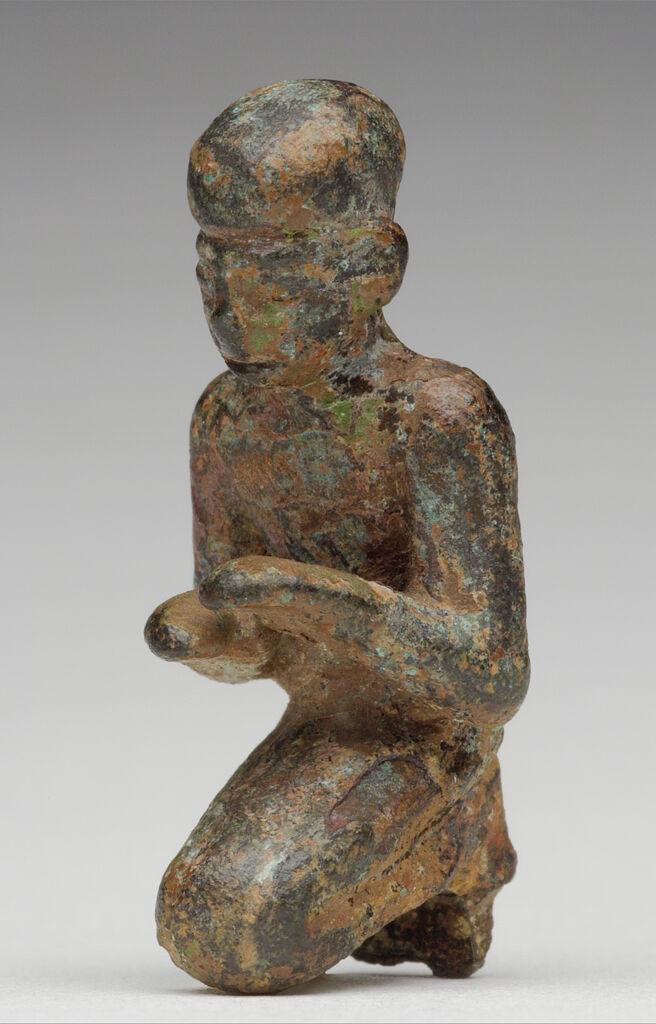 Small Kneeling Figure