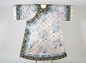 Short-Sleeved Robe With Narcissus Decoration