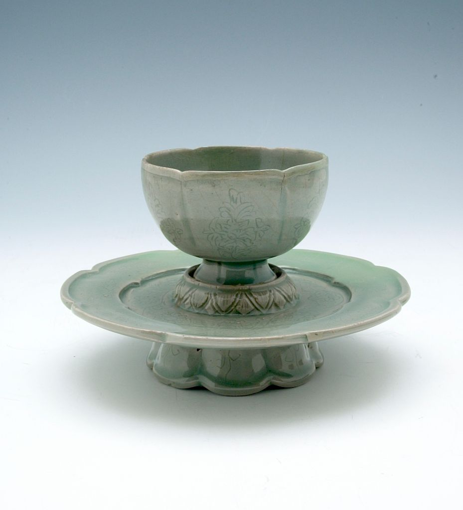 Foliated Cup And Cup Stand With Floral Decor