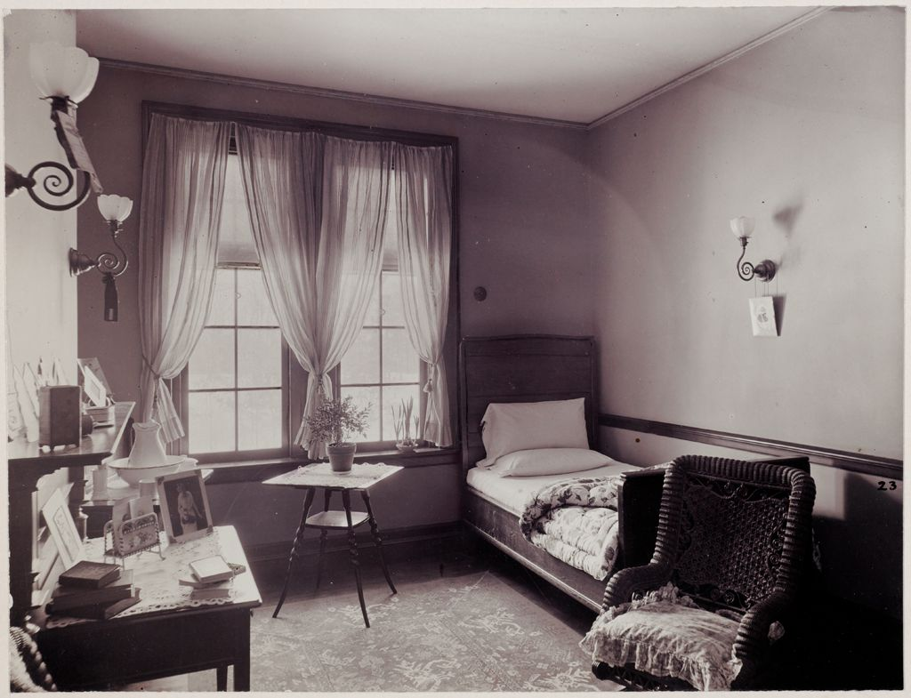 Defectives, Insane: United States. Massachusetts. Waverly. Mclean Hospital: Mclean Hospital. East House: Patients Bedroom