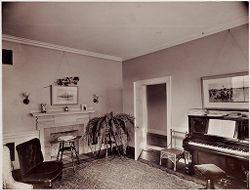 Defectives, Insane: United States. Massachusetts. Waverly. McLean Hospital: McLean Hospital. Womens Belknap: Reception and music room.   Social Museum Collection