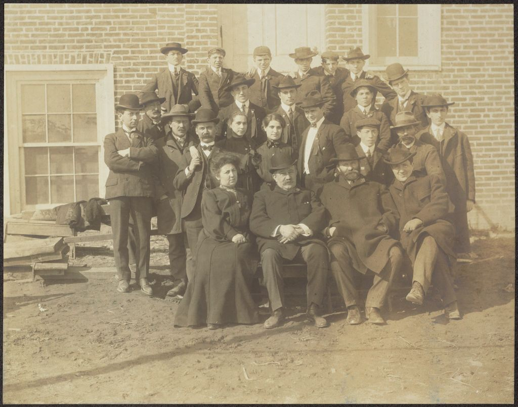 Races, Jews: United States. New Jersey. Woodbine. Baron De Hirsch Agricultural And Industrial School: Woodbine Settlement And School, Woodbine, N.j. Baron De Hirsch Fund.: 209. Class & Faculty Of 1904.
