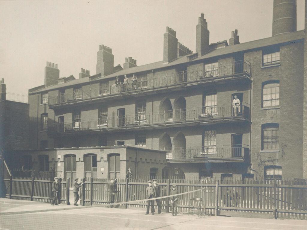 Social Settlements: Great Britain, England. London.