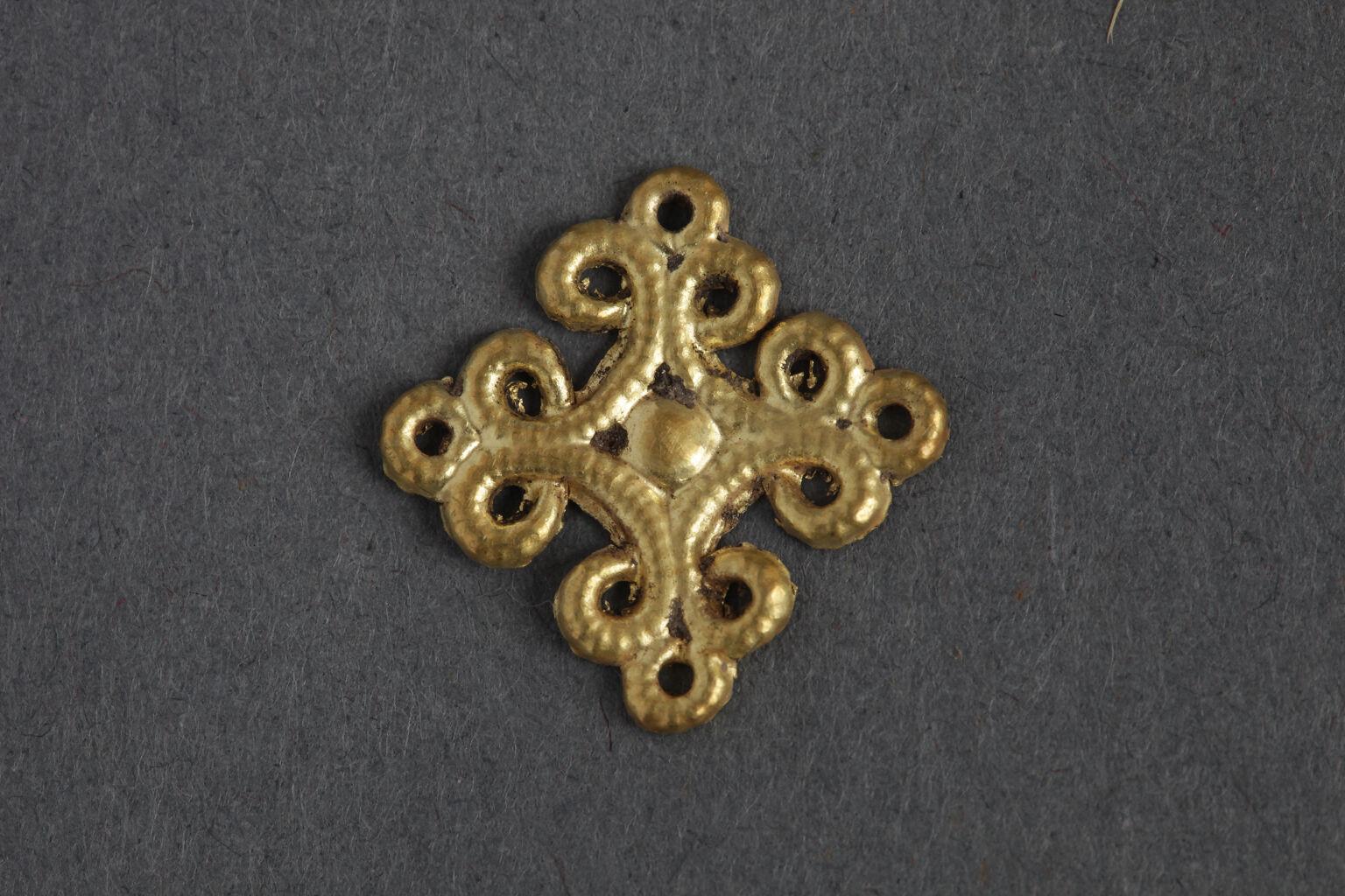 Ephesos'tan altın floral aplik