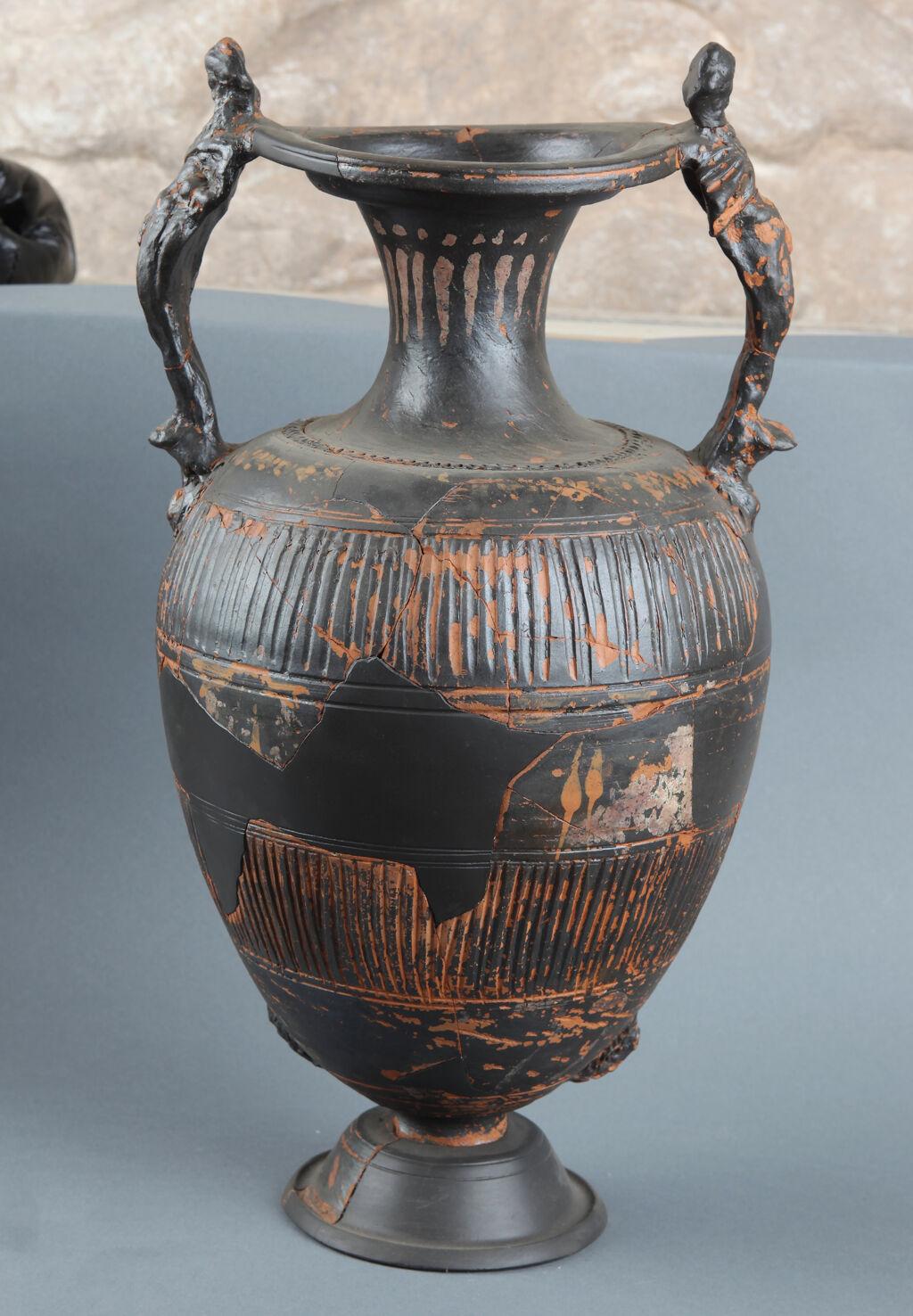 Hellenistic black-glaze amphora