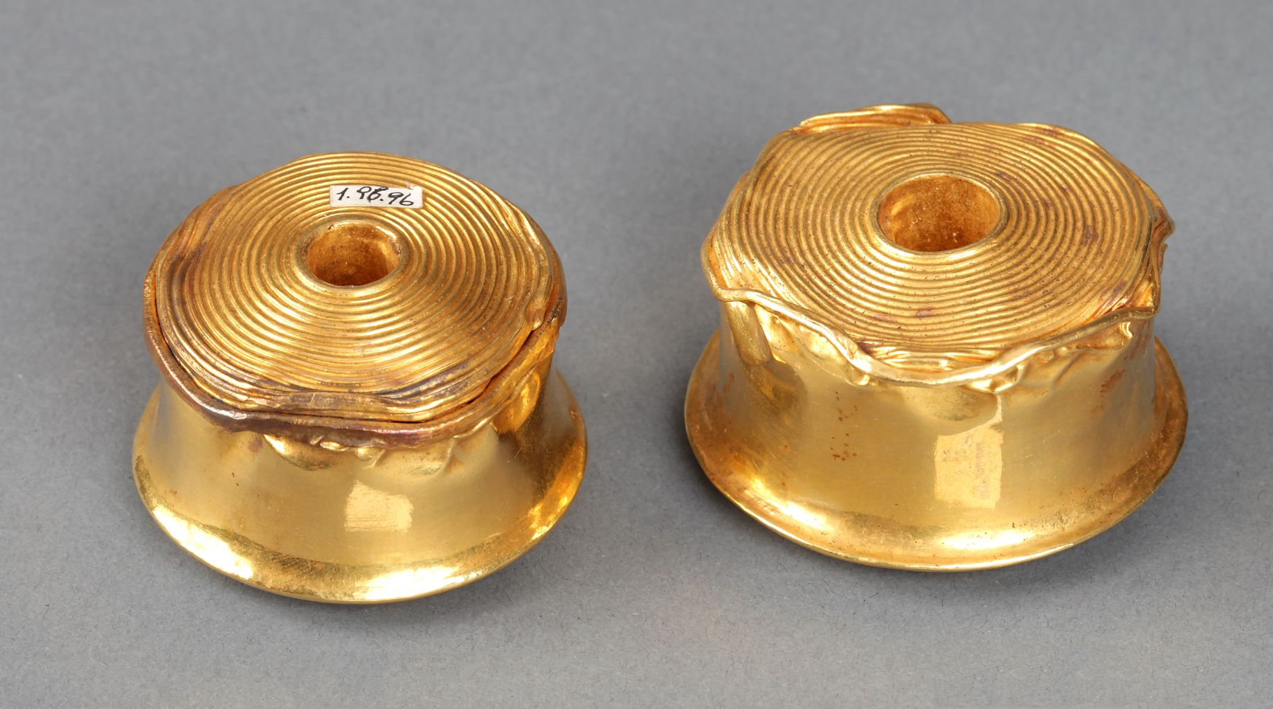 Pair of gold rattles from Toptepe