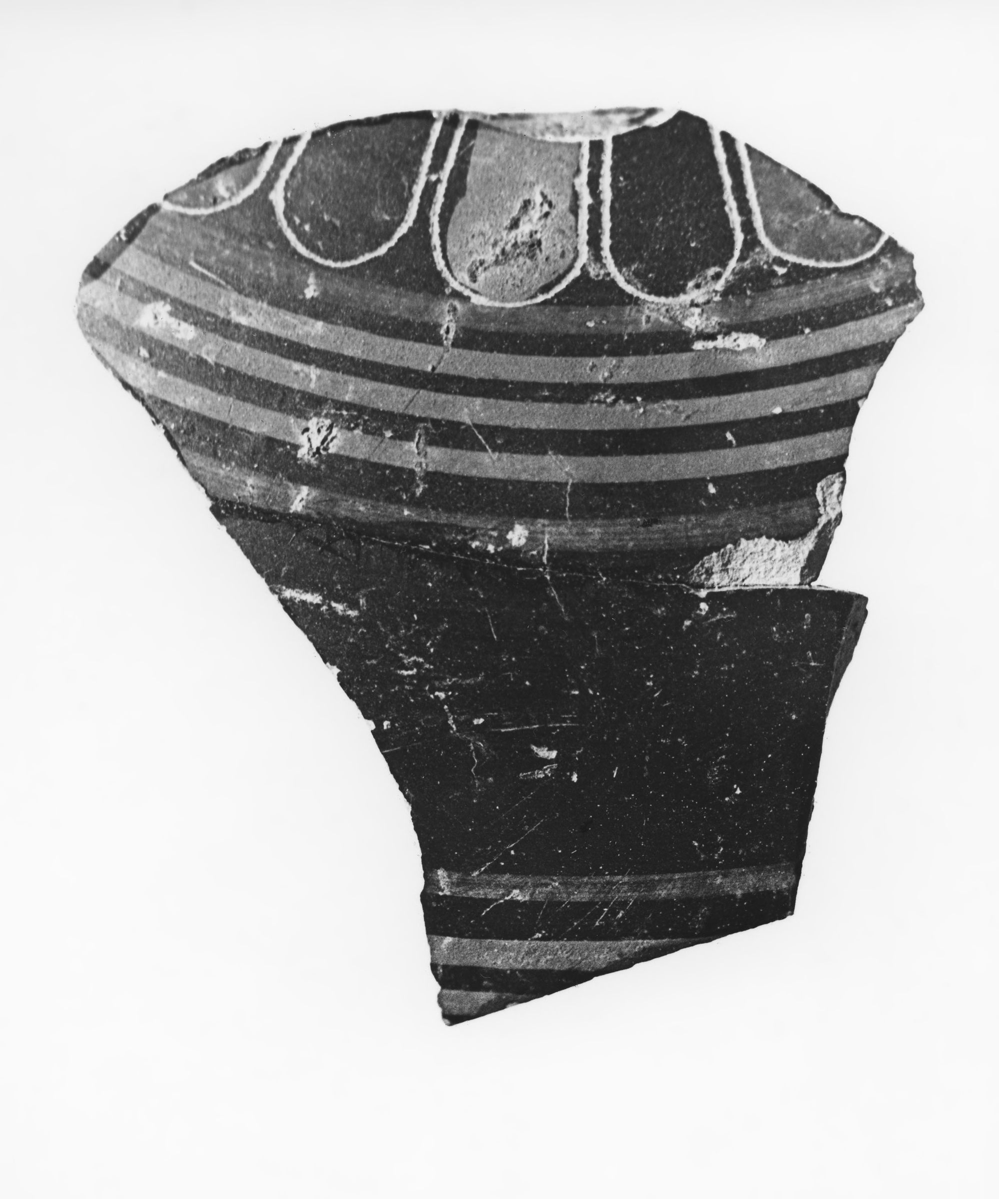 Late Protocorinthian Phiale or Plate Fragment