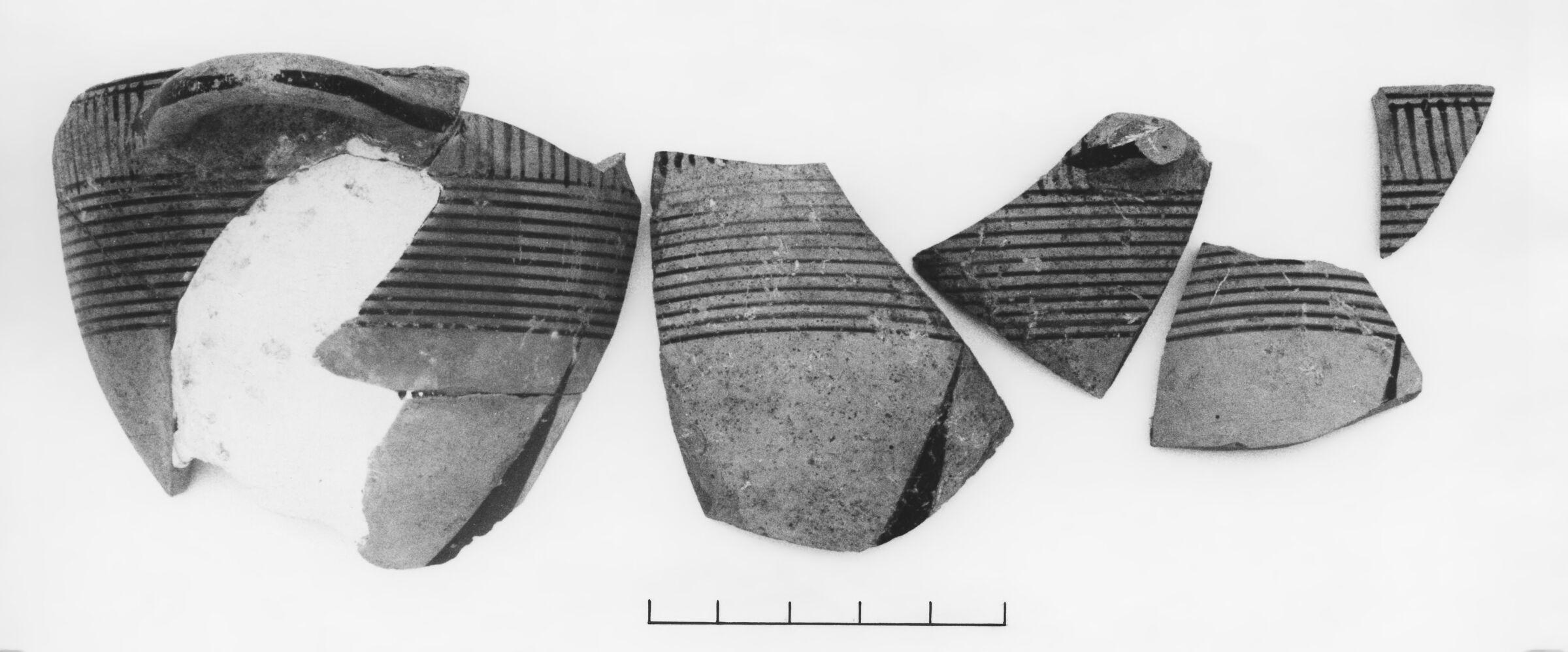 Middle Protocorinthian Linear Kotyle Fragments