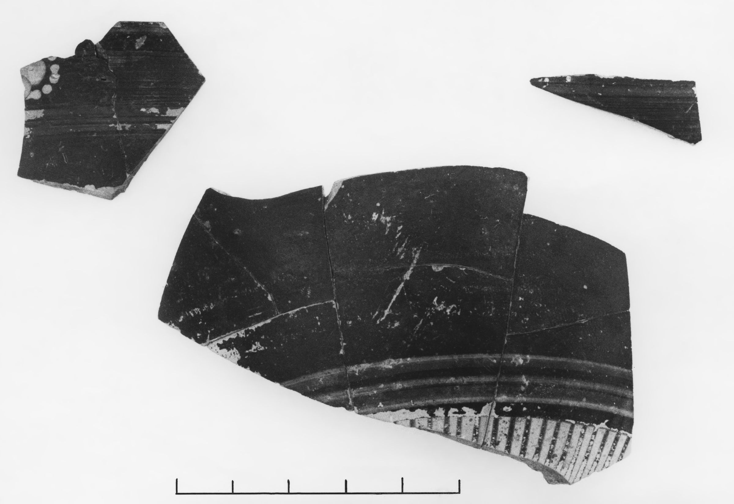 Middle Corinthian Glazed Kotyle Fragments