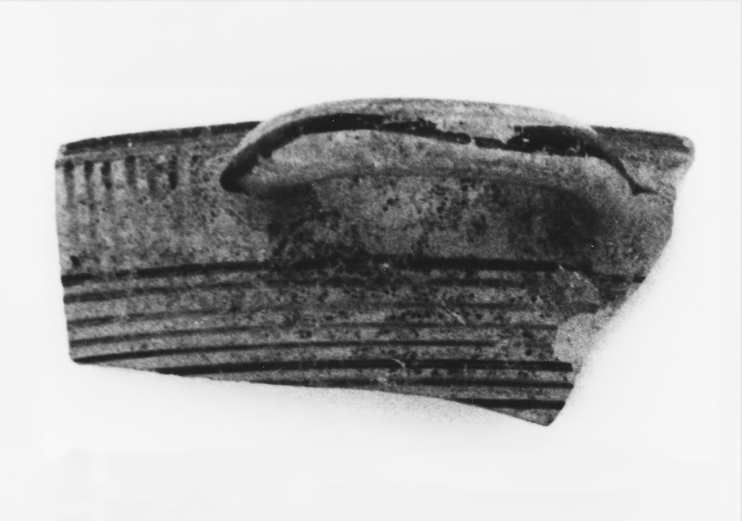 Middle Protocorinthian Linear Kotyle Fragment