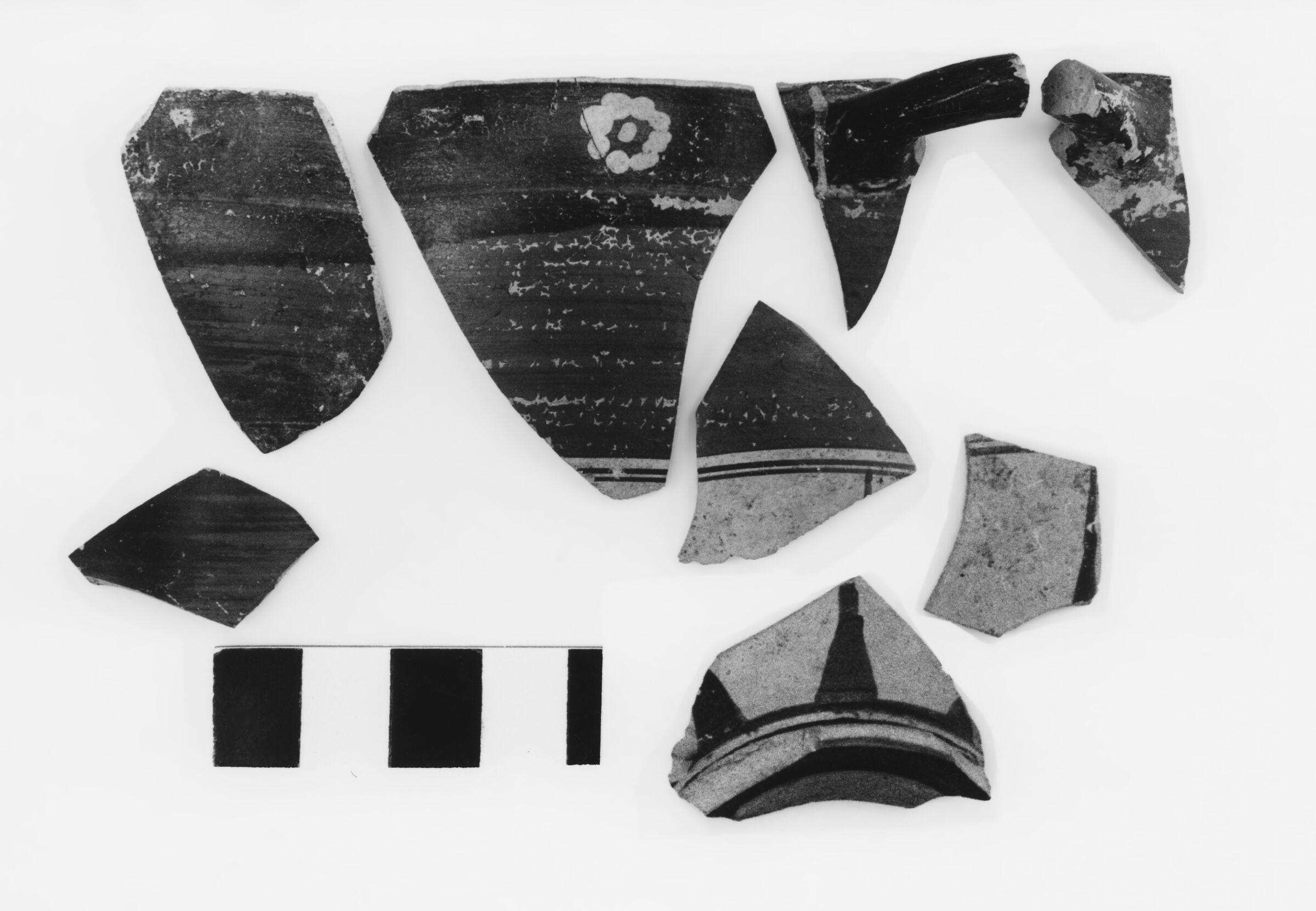 Corinthian Transitional Glazed Kotyle Fragments