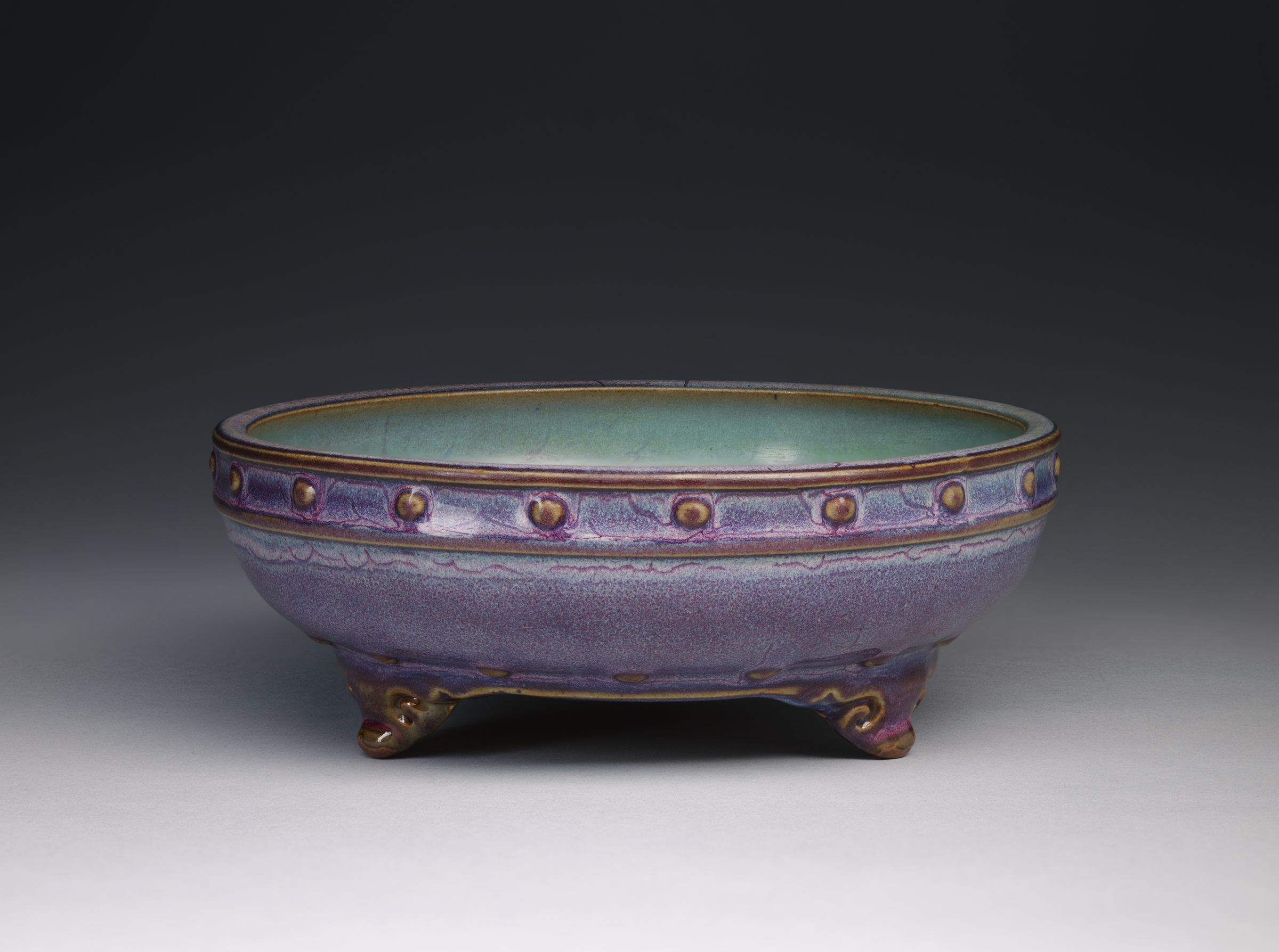 Circular Basin With Drum-Nail Decor And Three Cloud Scroll Feet
