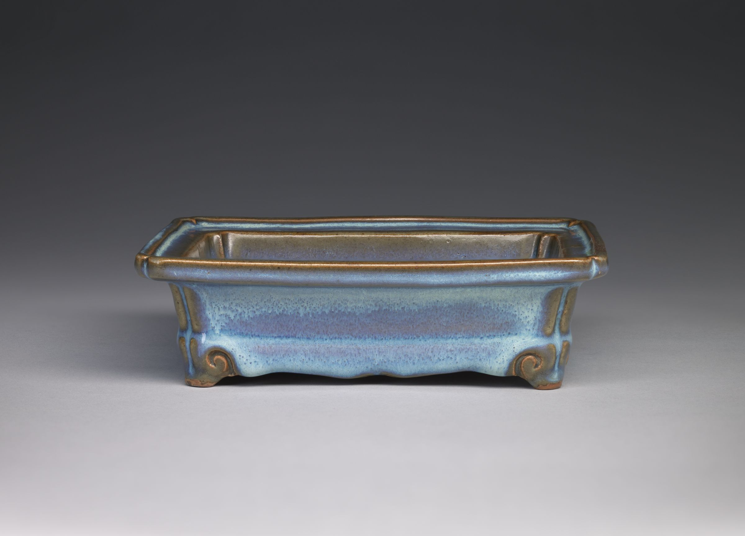 Rectangular Basin With Notched Corners And Four Cloud Scroll Feet
