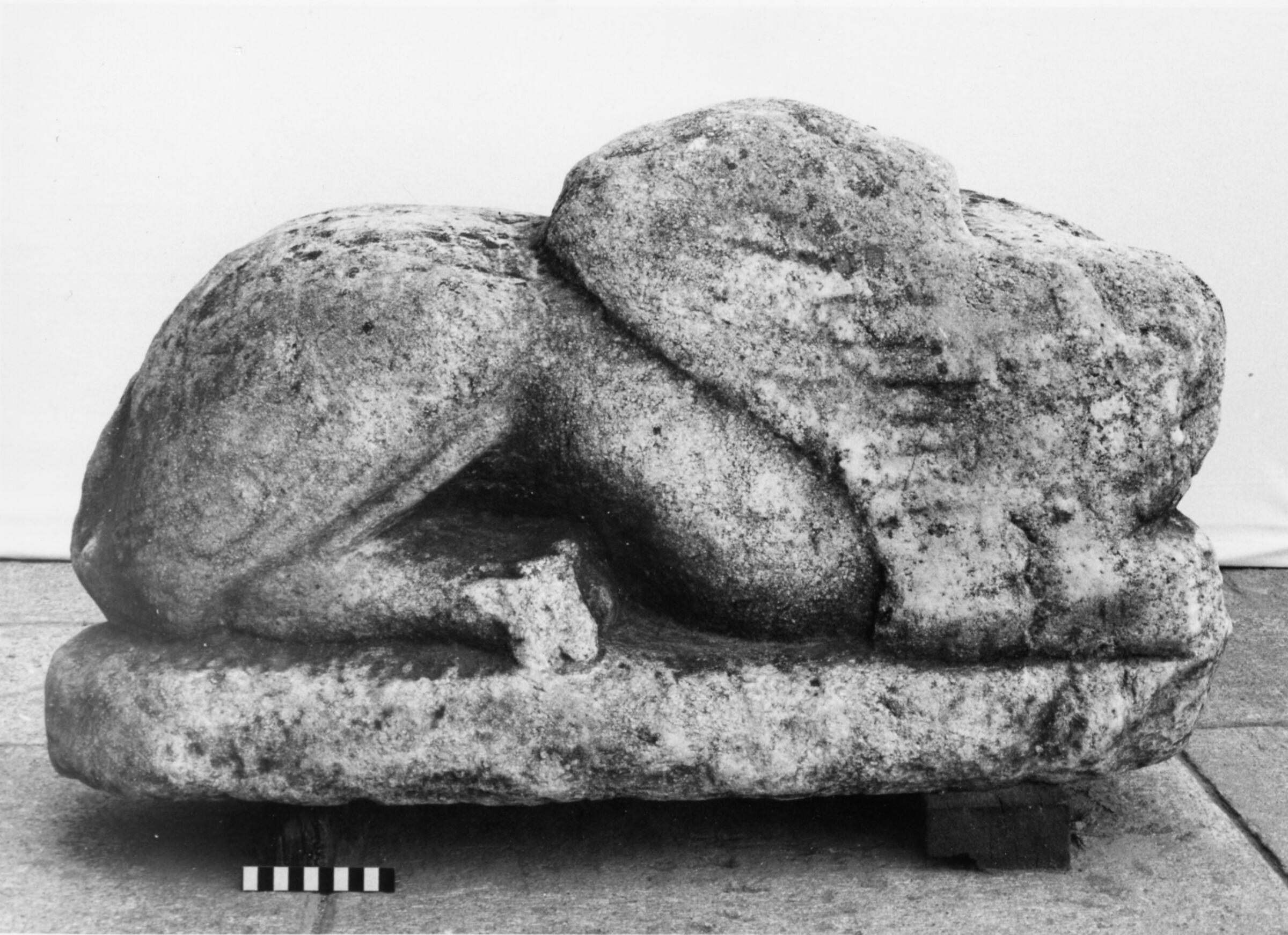 Başsız Yaslanmış Sfenksin Mermer Heykeli