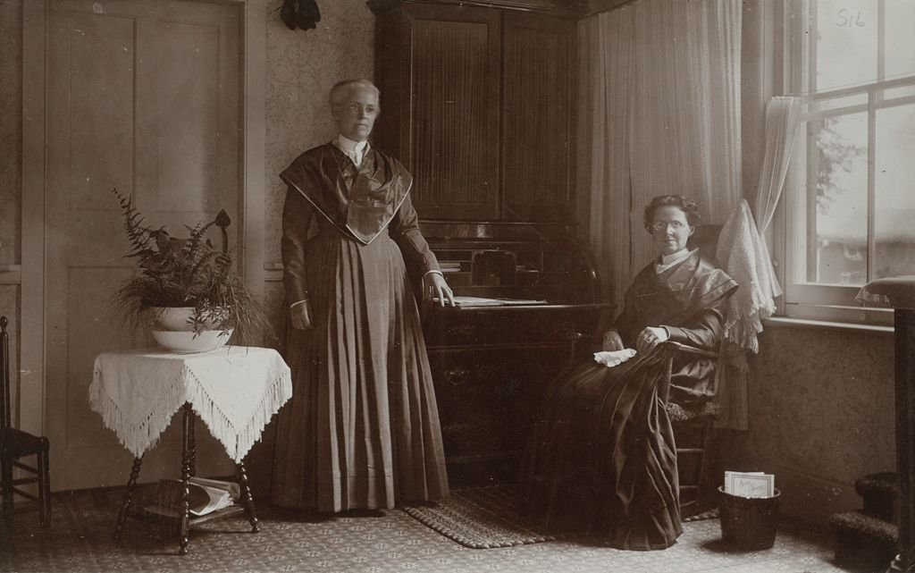 Social Revolution (?): United States. New York. Mt. Lebanon. Shaker Communities: Shaker Communities, United States: I. Sister Catherine Allen And Sister Martha Burger In Reception Room.