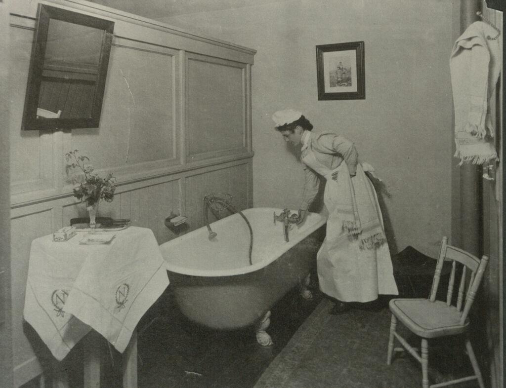 Industrial Problems, Welfare Work: United States. Ohio. Dayton. National Cash Register Company: Welfare Institutions Of The National Cash Register Company, Dayton, Ohio: Conveniences For Women Employees: Women's Bath Room.