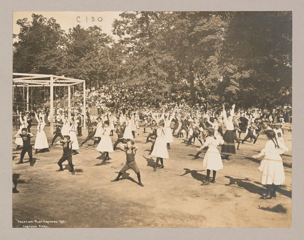 Recreation, Parks And Playgrounds: United States. New York. New York City. Crotona Park, Vacation Playground: New York City Public Schools. Examples Of The Adaptation Of Education To Special City Needs: Vacation Playgrounds - Crotona Park.