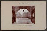 Housing, Improved: Great Britain, England. London. Bourne Estate: Municipal Housing: Great Britain: Bourne Estate: Inner court: Improved tenement houses at Holborn Erected 1902-04 by the London County Council