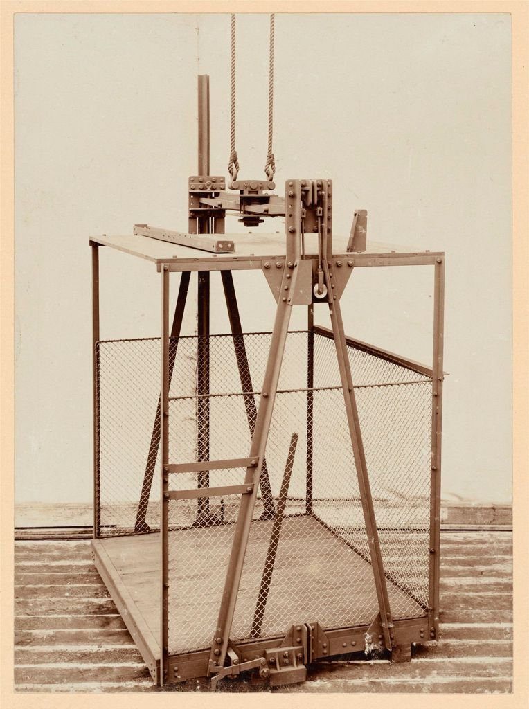Industrial Problems, Prevention Of Accidents: Germany. Safety Devices In Various Manufacturing Plants: G. Luther, Maschinenfabrik Und Mühlenbauanstalt, A.-G., Braunschweig.: Catching Apparatus For Cages, Luther' System.