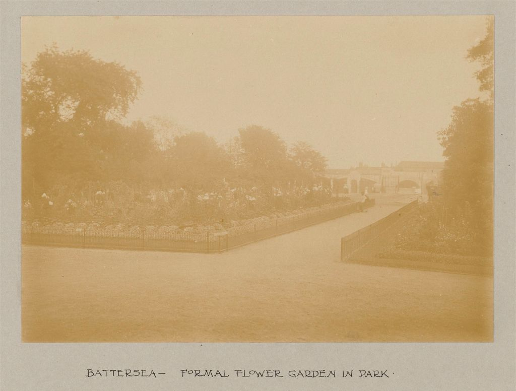 Recreation, Parks And Playgrounds: Great Britain, England. London. Playgrounds And Parks: Social Conditions In London, England, 1903: Battersea - Formal Flower Garden In Park.