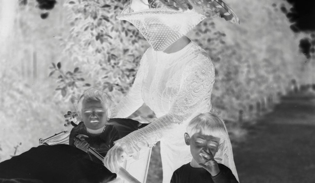 [Julia Feininger With Her Sons Laurence And Andreas]