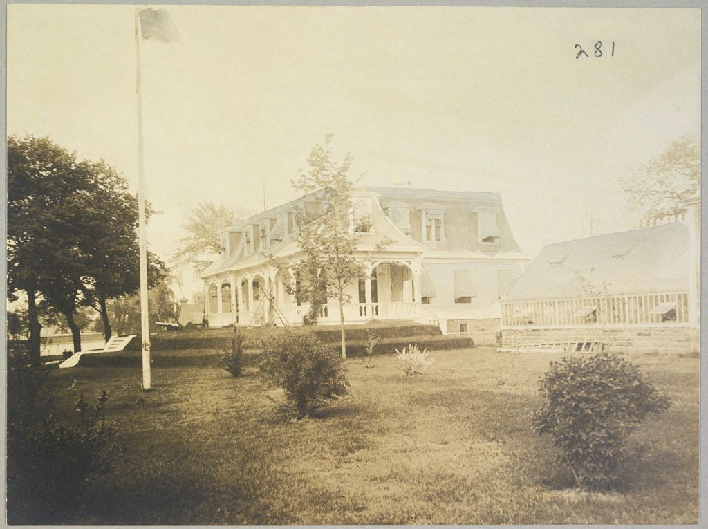 Charity, Hospitals: United States. New York. New York City. Metropolitan Hospital, Blackwell's Island: Metropolitan Hospital, Blackwell's Island (New York City Almshouse System): Superintendant's House
