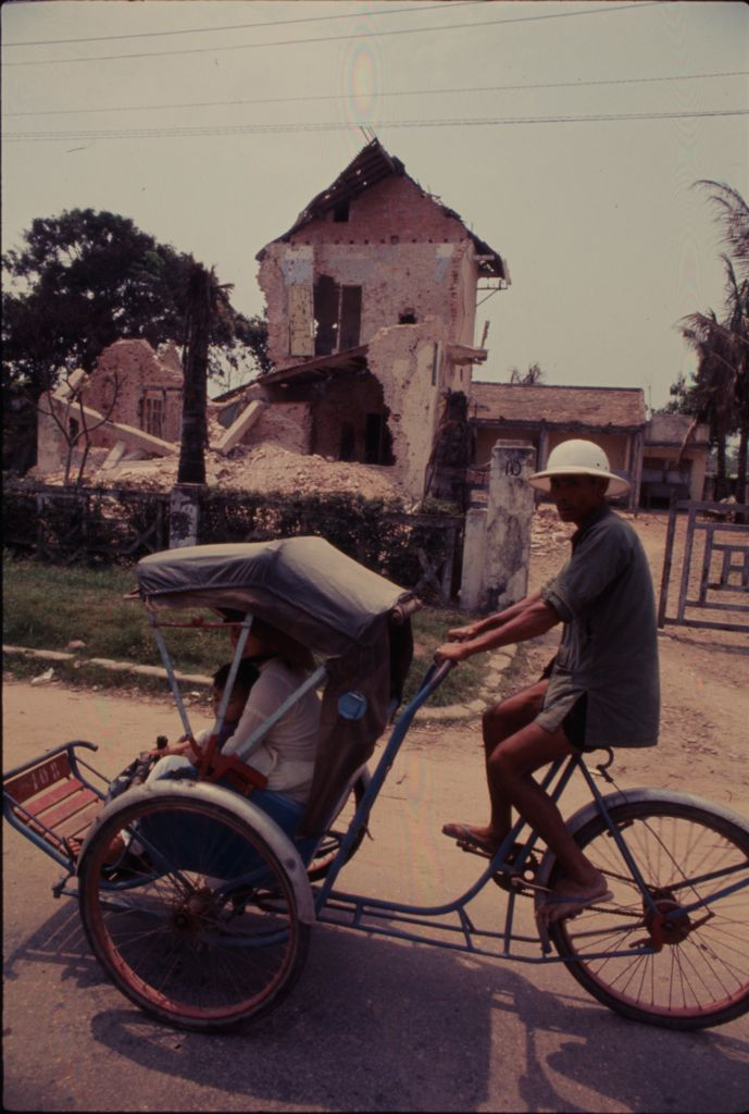 Untitled (Cycle Rickshaw, Hue, Vietnam)