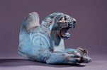 Rhyton forepart in the shape of a lion with prey