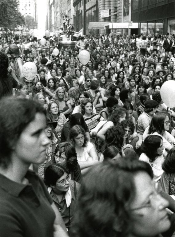 Crowd at Bryant Park during women's rights march