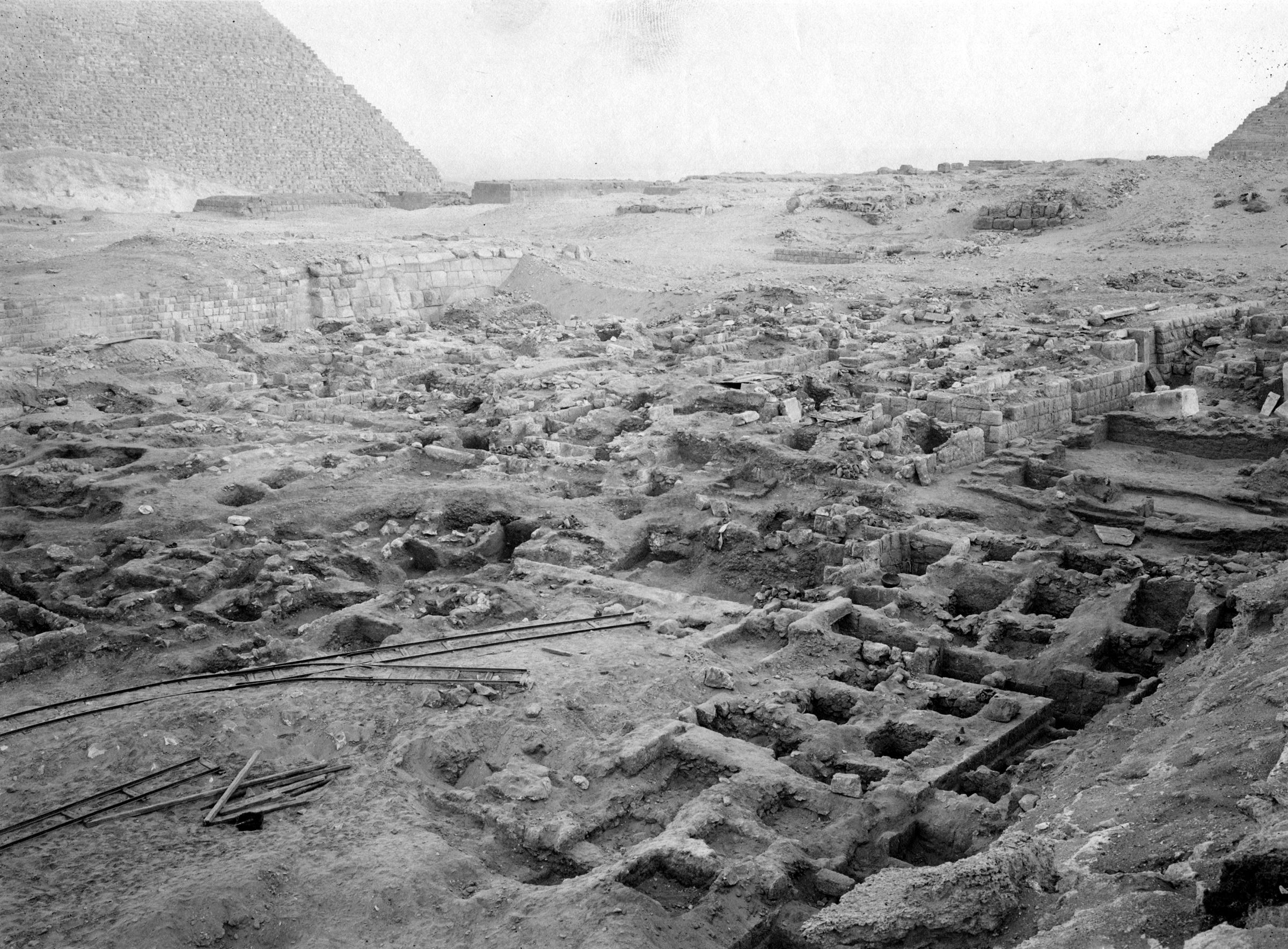 Western Cemetery: Site: Giza; View: G 2043, G 2042