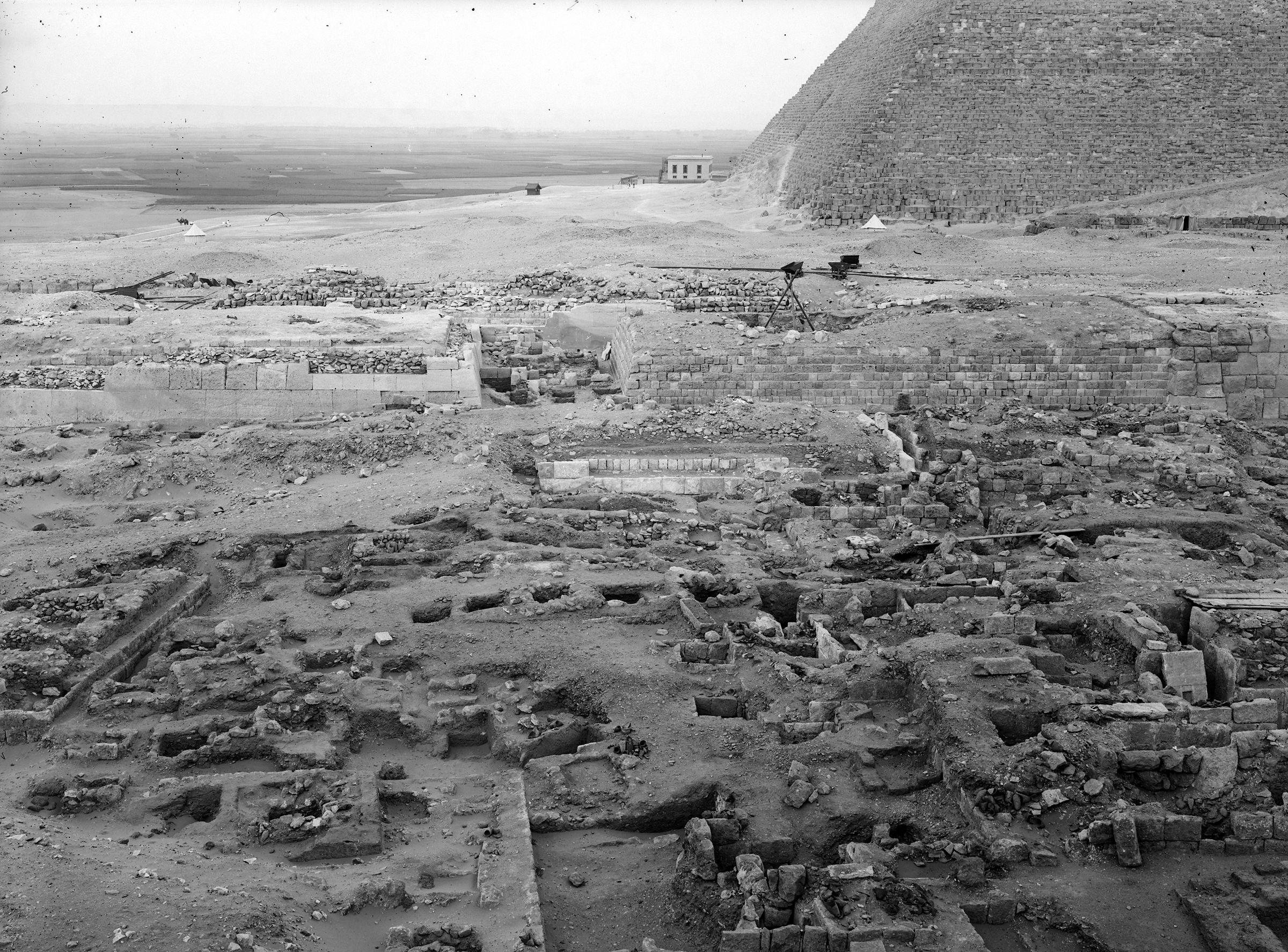 Western Cemetery: Site: Giza; View: G 2042, G 2043, G 2045, G 2046, G 2110, G 2100