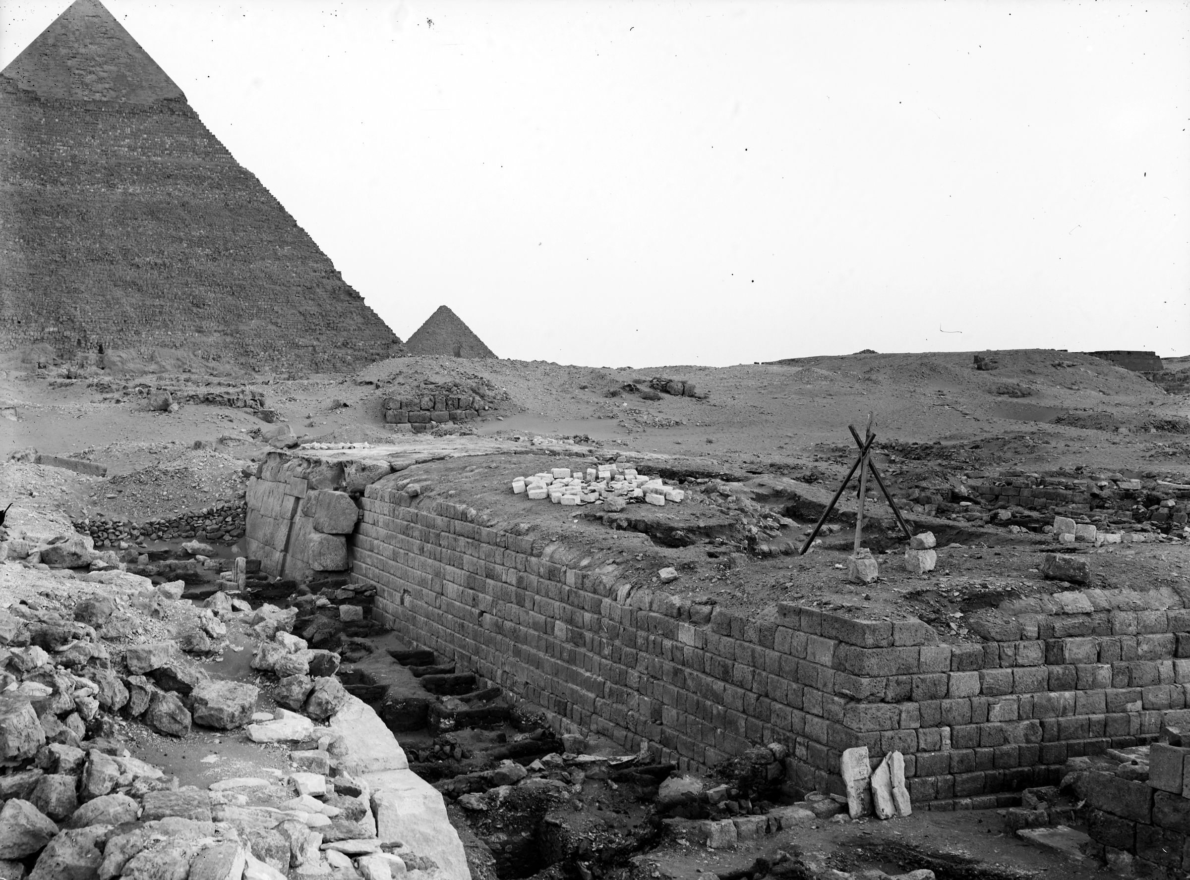 Western Cemetery: Site: Giza; View: G 2100, G 2100-I, G 2114, G 2105