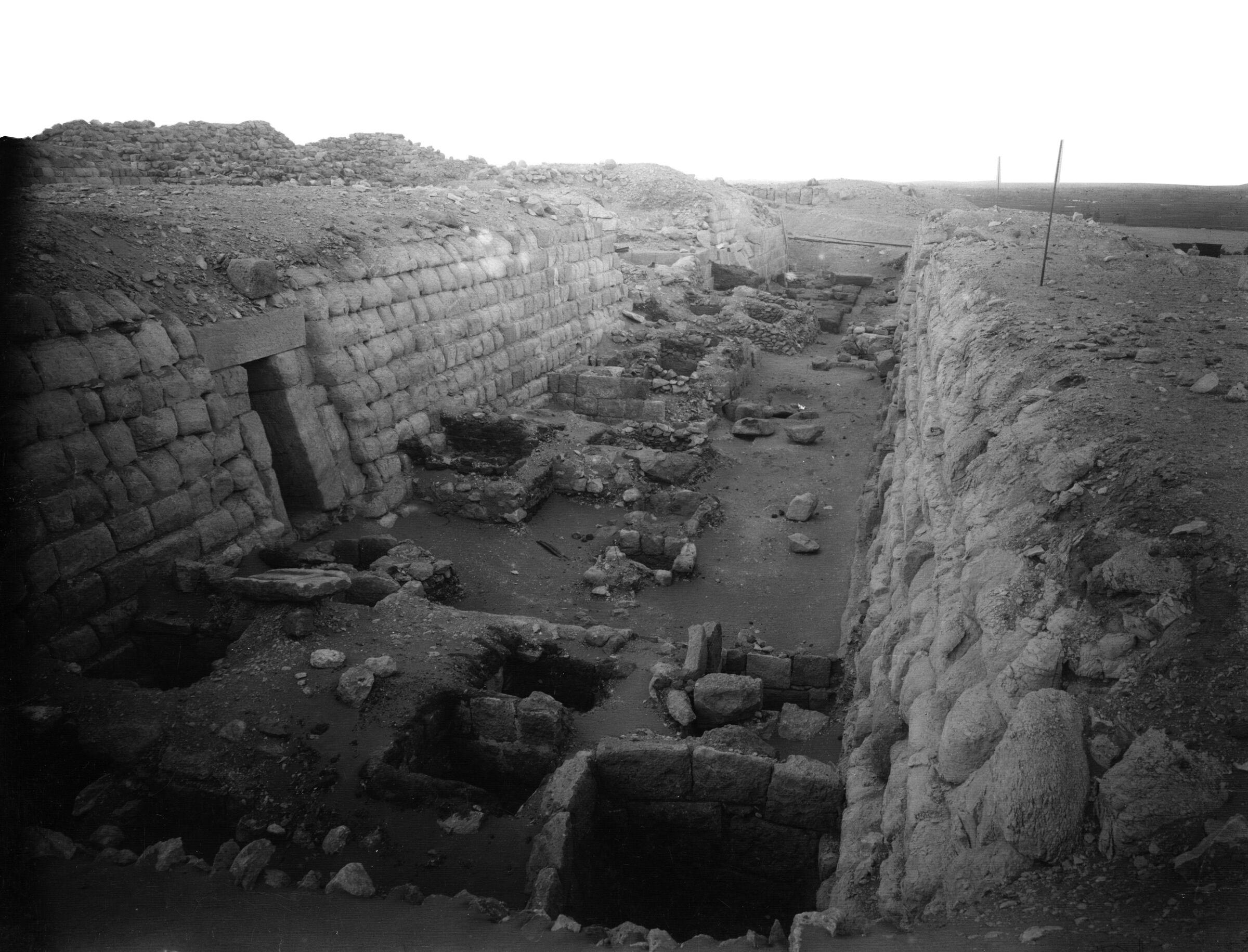 Western Cemetery: Site: Giza; View: G 2140, G 2160, G 2148, G 2147, G 2146, G 2145