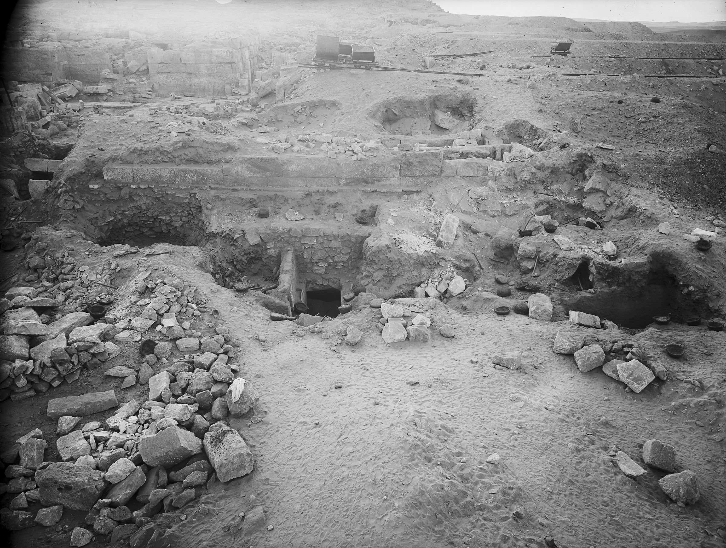Western Cemetery: Site: Giza; View: G 2385, G 2374
