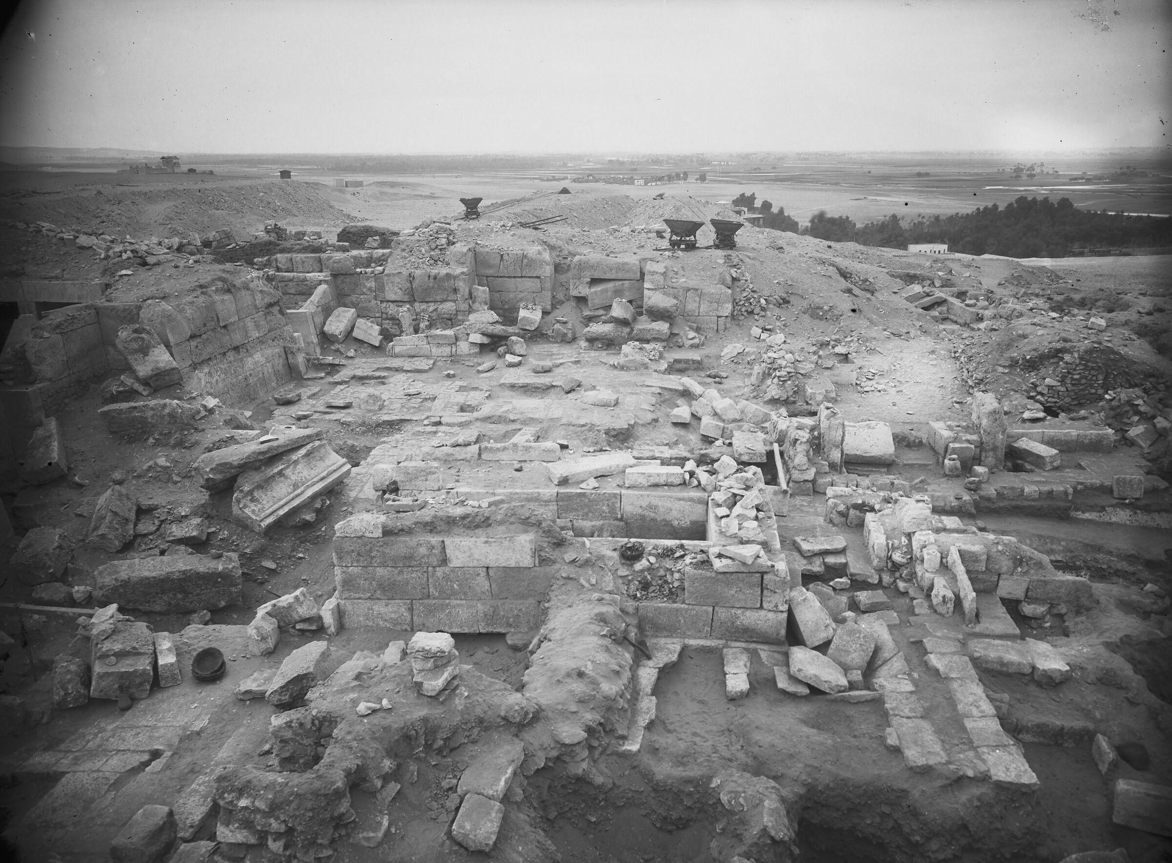 Western Cemetery: Site: Giza; View: G 2378, G 2381, G 2382, G 2383, G 2384, G 2370, G 2374, G 2386