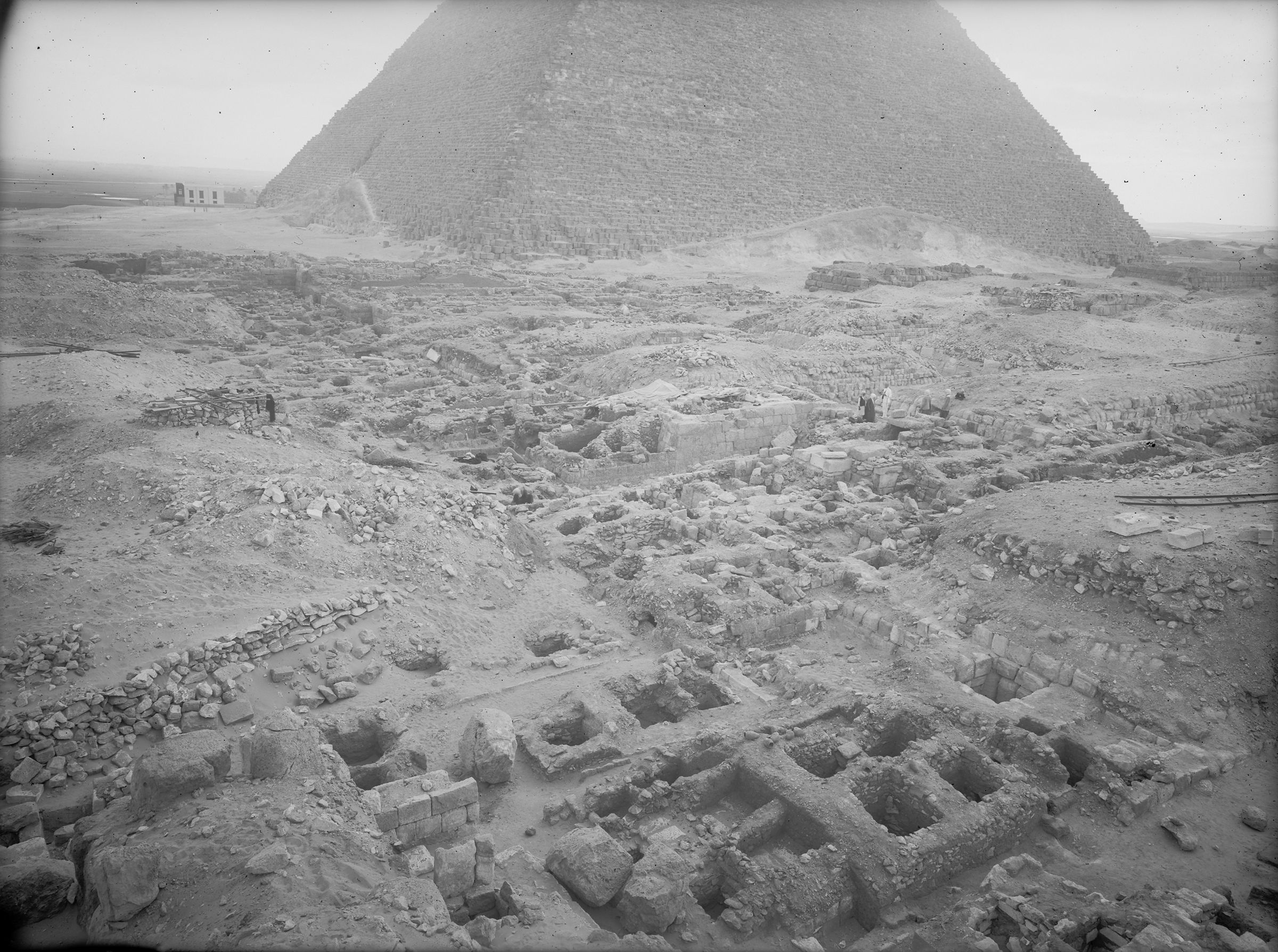 Western Cemetery: Site: Giza; View: G 2156', G 2222, G 2154, G 2154a, G 2157, G 2223, G 2223a, G 2224, G 2225, G 2170, G 2180, G 2172, G 2175, G 2176, G 2177, G 2178, G 2179, G 2184, G 2186
