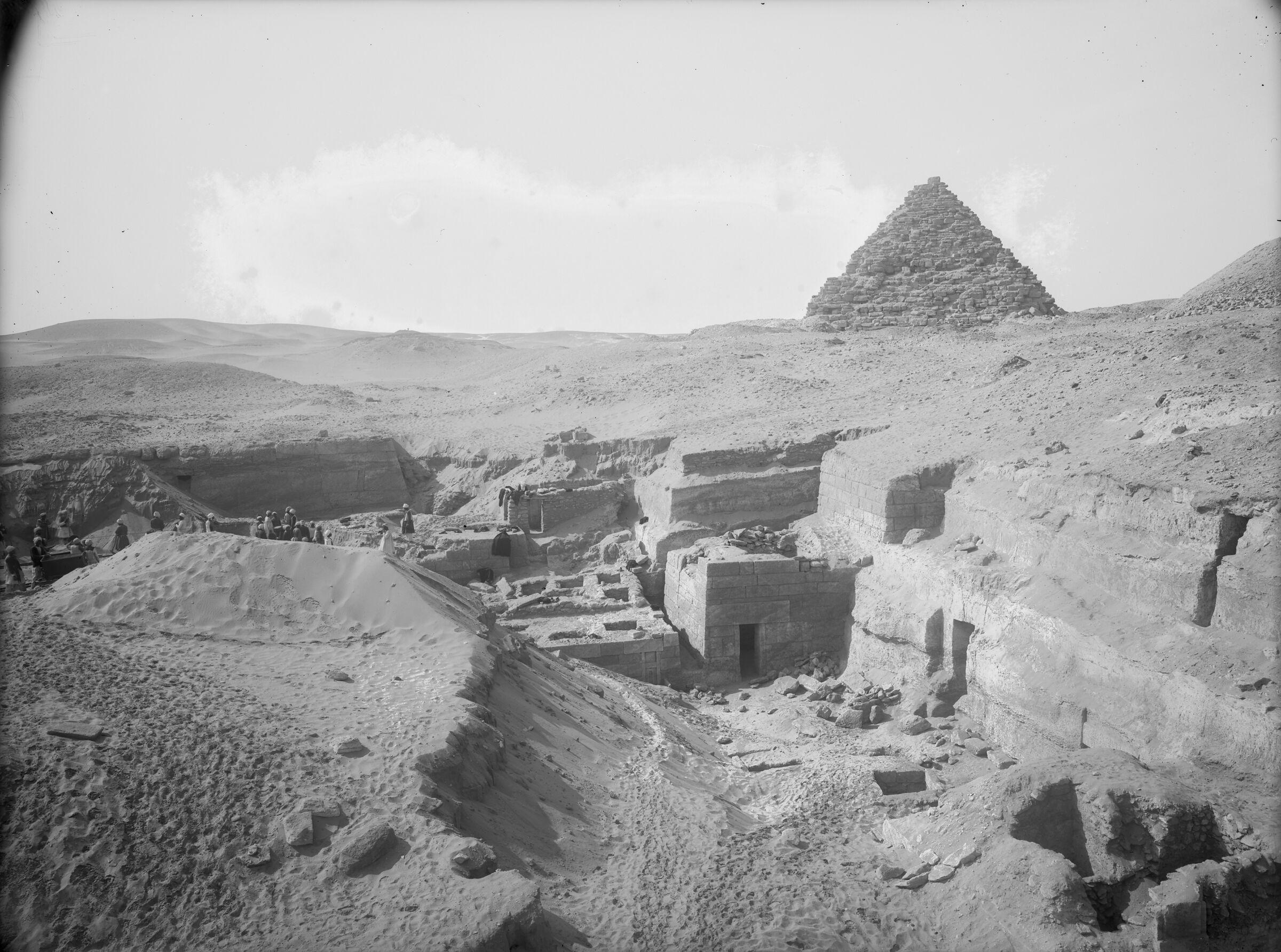 Menkaure Quarry Cemetery: Site: Giza; View: MQ 105, MQ 121, MQ 120, MQ 132, MQ 133, MQ 134, MQ 135, MQ 106