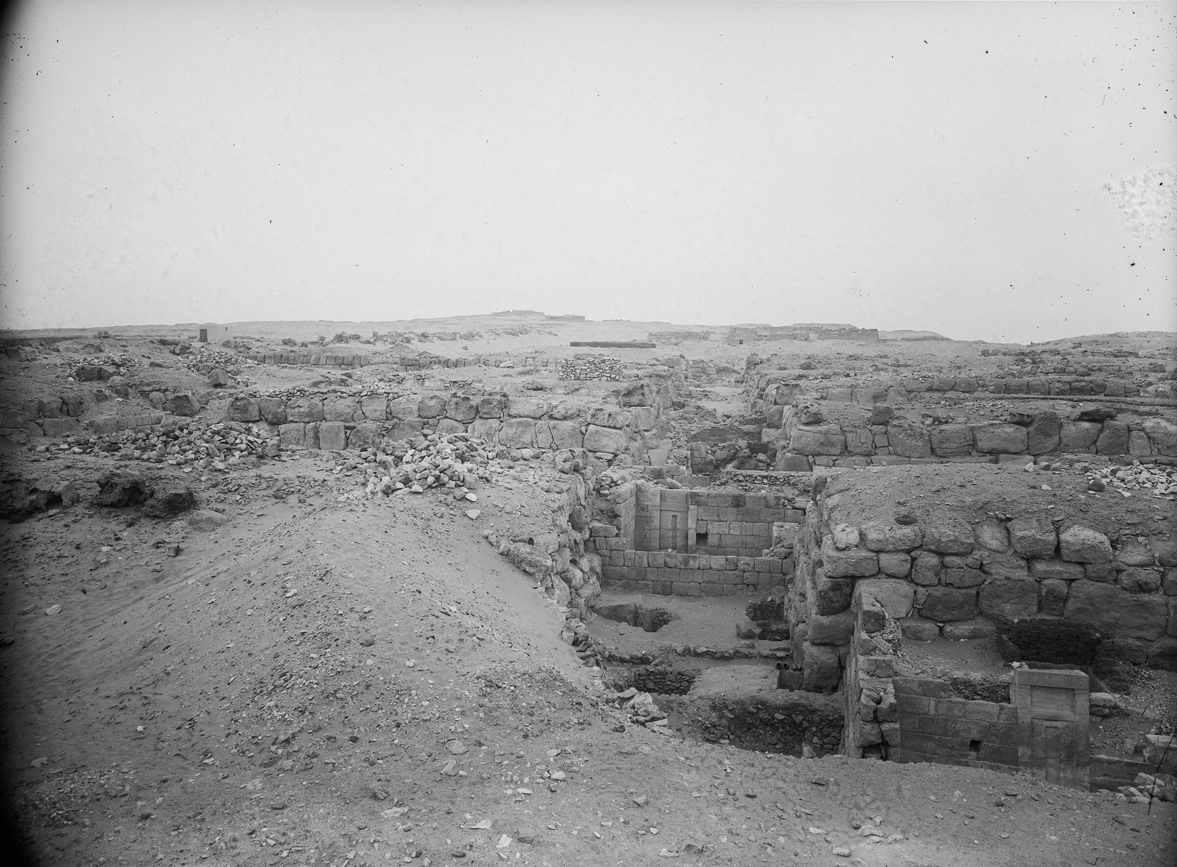 Western Cemetery: Site: Giza; View: G 4820, G 4830, G 4733, G 4833, G 4821, G 4822