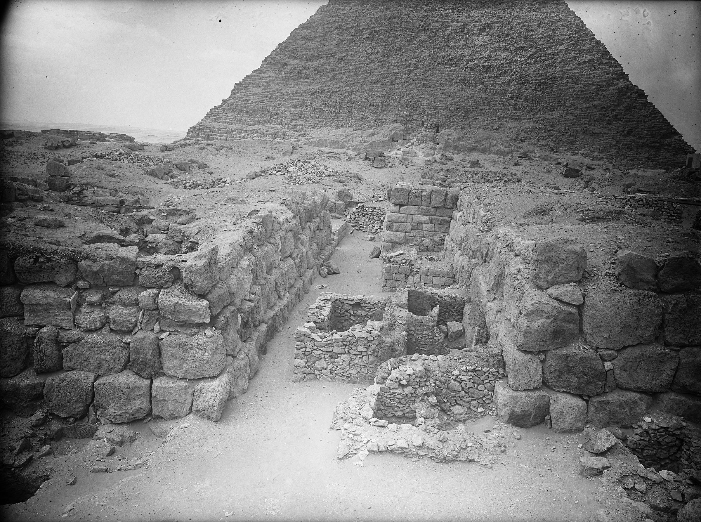 Western Cemetery: Site: Giza; View: G 4520, G 4420, G 4422, G 4421