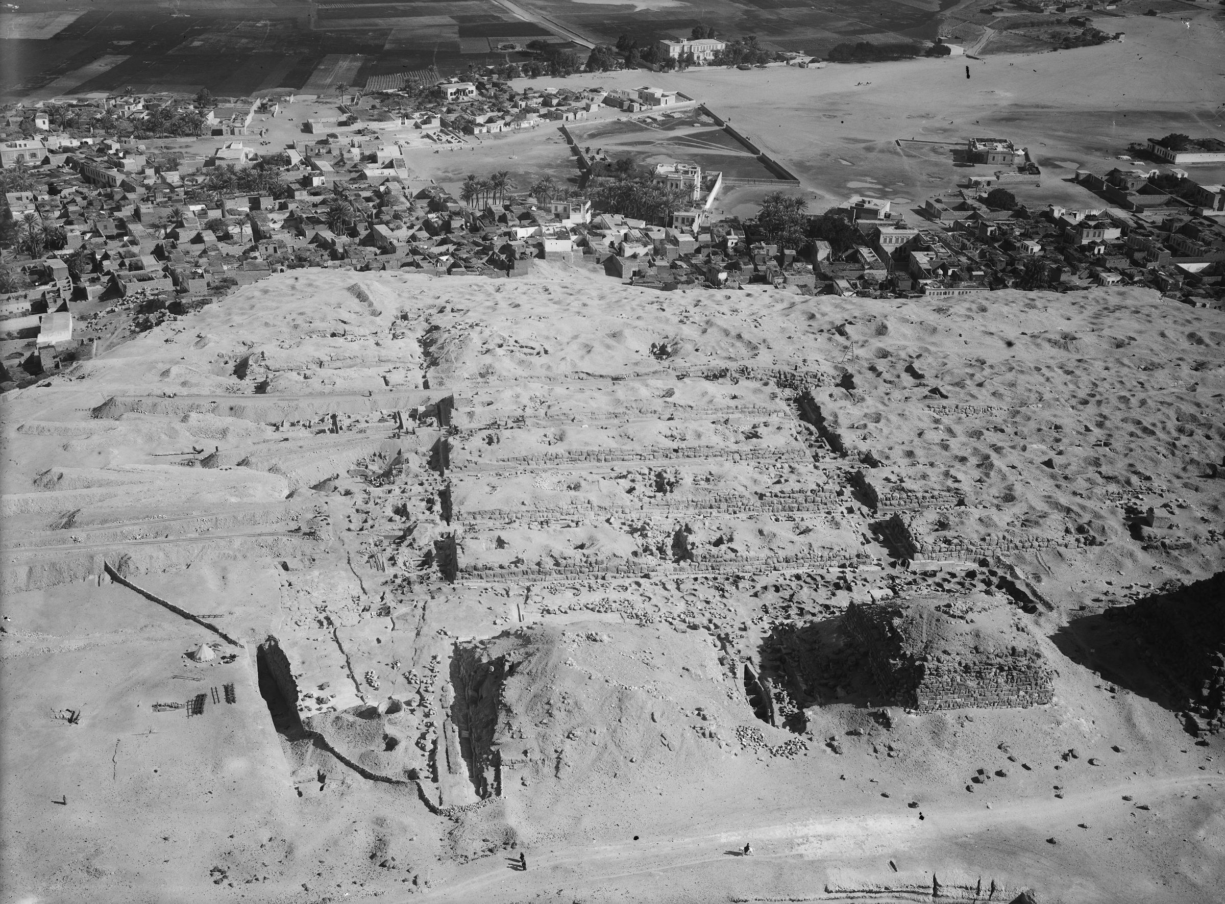 Eastern Cemetery: Site: Giza; View: G I-a, G I-b