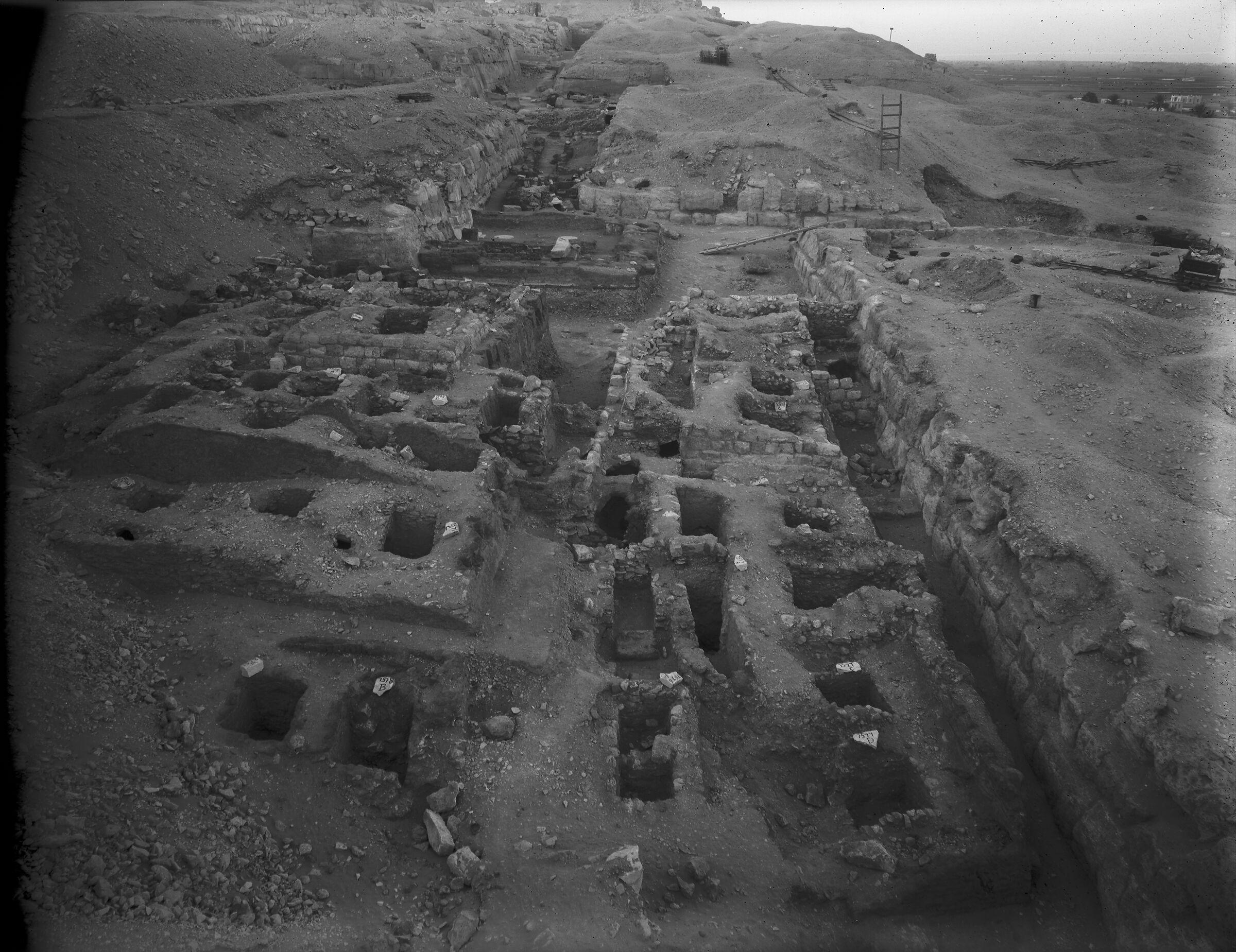 Eastern Cemetery: Site: Giza; View: G 7560, G 7690, G 7670, G 7563, G 7566, G 7567, G 7568, G 7569, G 7573, G 7571, G 7577, G 7578