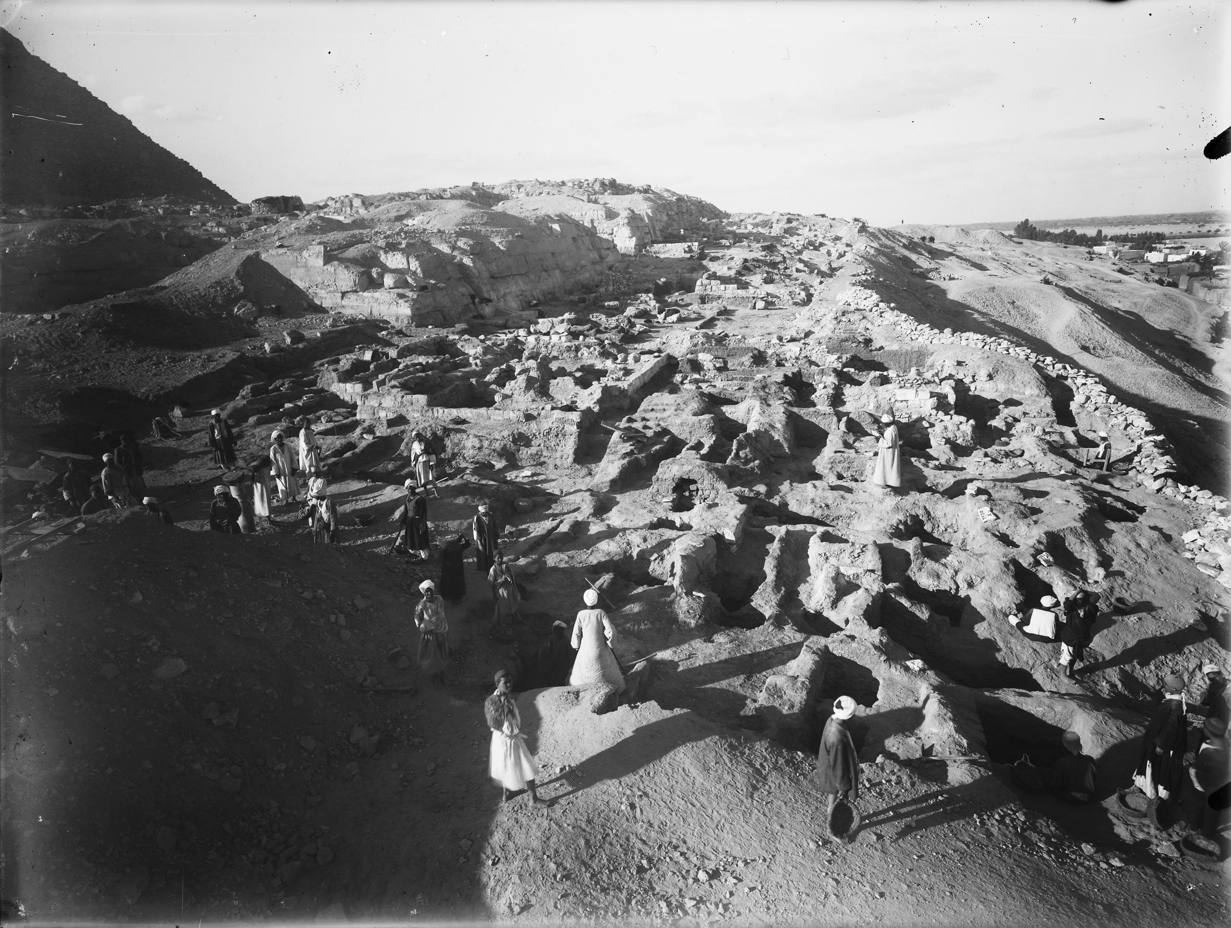 Eastern Cemetery: Site: Giza; View: G 7760, G 7931, G 7928+7929, G 7932, G 7911, G 7912, G 7913, G 7769, G 7922